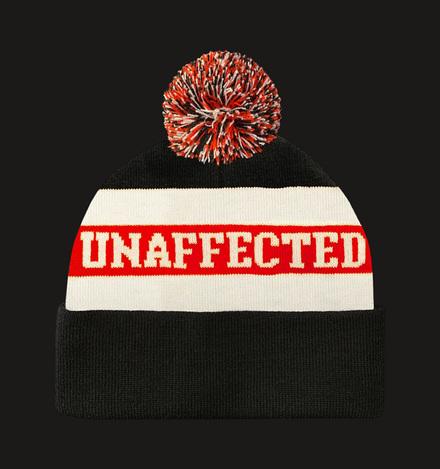 Шапка с помпоном UNAFFECTED